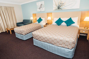 Bathurst Accommodation 4.5 star queen _ King Single Heritage Motor Inn